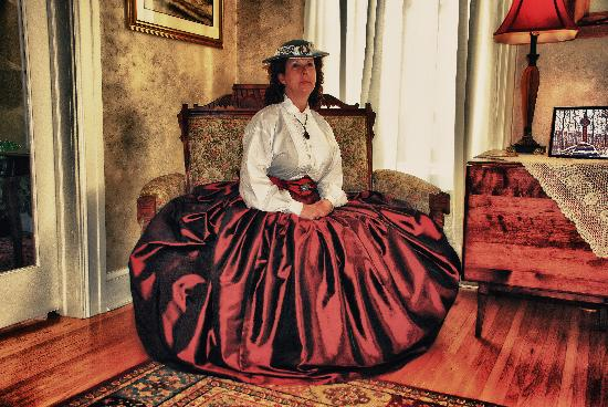 The Gaslight Inn Bed and Breakfast: A long time guest at the Inn