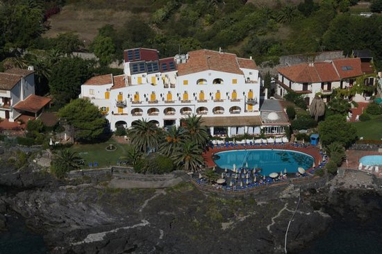 Arathena Rocks Hotel