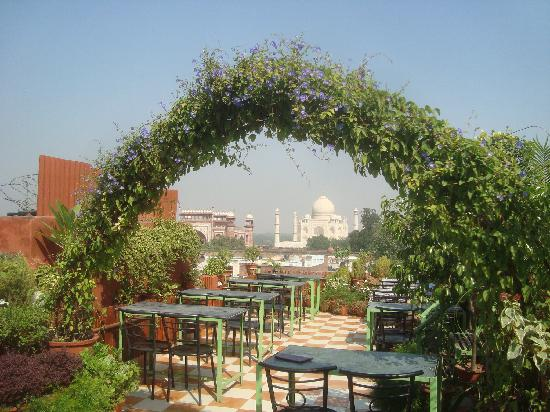 Saniya Palace Inn: the view from the roof restaurant