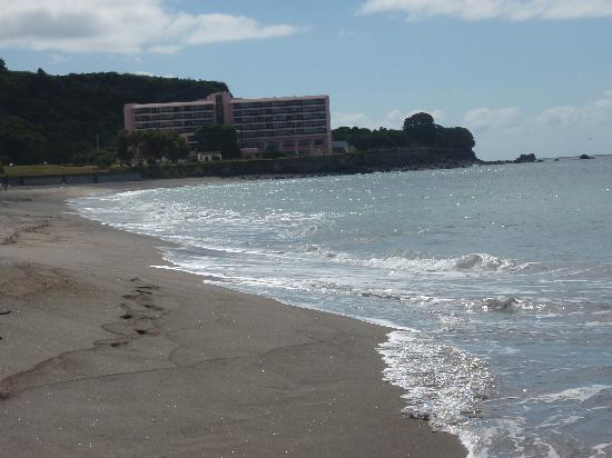 Vila Franca do Campo, Πορτογαλία: View of hotel from beach