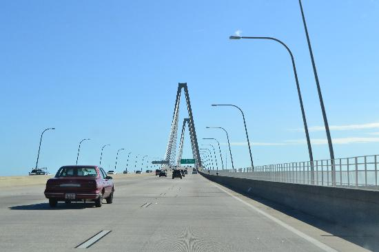 Charleston's NotSo Hostel: Bridge when Leaving