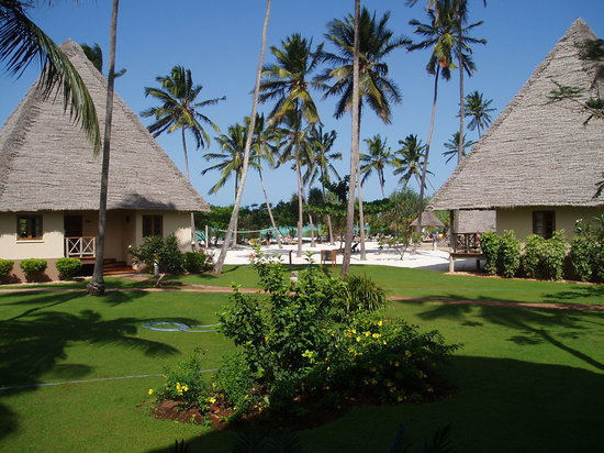 Neptune Pwani Beach Resort Spa: Hotel premises