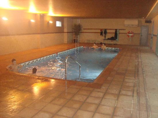 Camping la Noguera: piscina climatizada