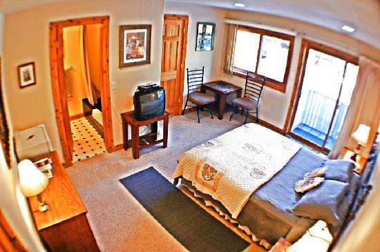 Snow Queen Lodge: Silver Dollar Suite