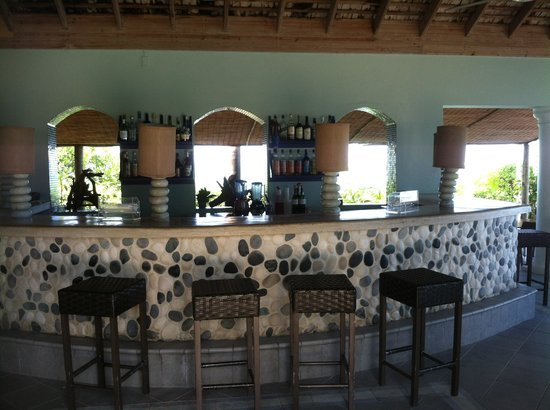 Coyaba Beach Resort: beach restaurant and bar