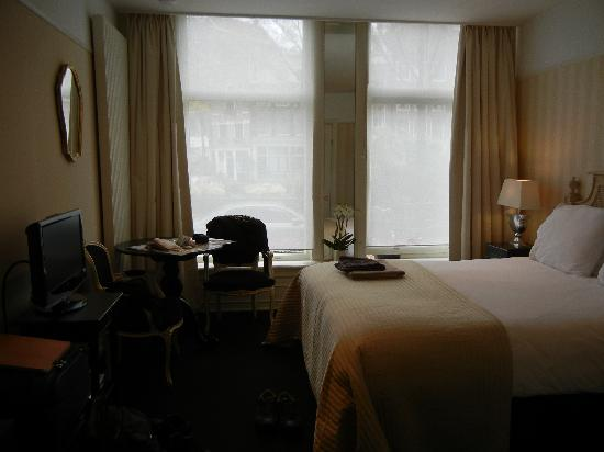 The Posthoorn: Canal View Room