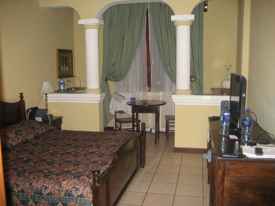 Hotel Alhambra: Anotrher view of my room