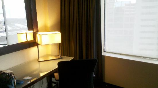The Westin Edmonton: Desk, office chair and another mirror.