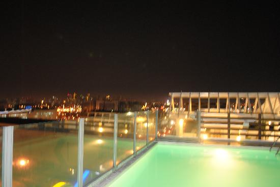 Swimming Pool At The Top Of The Microtel Manila Mall Of Asia Picture Of Microtel Inn Suites