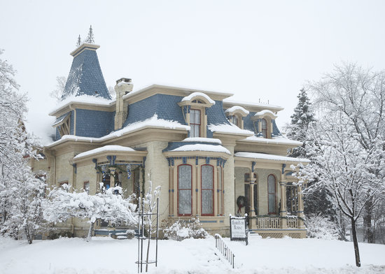 Hamilton House B&amp;B: Your winter Hideaway