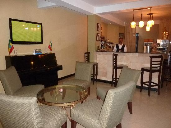 Addis Regency Hotel: Bar area