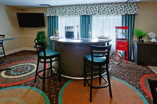 La Quinta Inn & Suites Columbus: Manager's Reception!