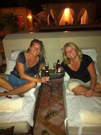 Riad Kniza: we enjoyed a drink on the rooftop terrace