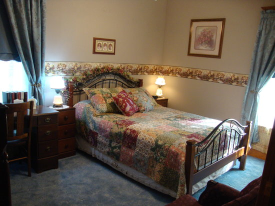 ‪‪Three Roses Bed and Breakfast‬: Jennifer's Room‬