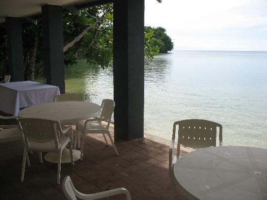 Lihir Island, Papua New Guinea: Real absolute beach front relaxation.