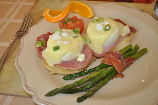 A ParkView Bed & Breakfast: An excellent, full breakfast