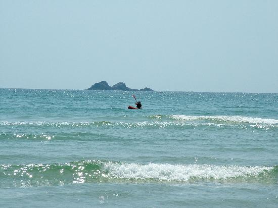 NCHP Clarkes Beach Holiday Park: Me paddling with Julian Rocks in background