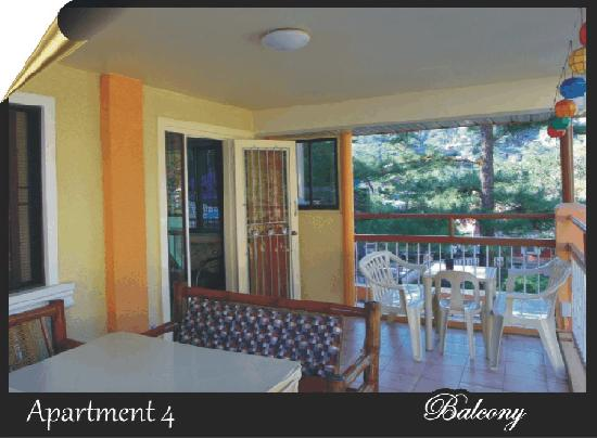 BaguioTransient House: Apartment 4 Balcony