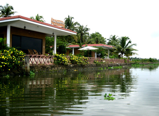 ‪Lake Symphony Resort‬