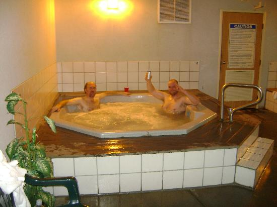 Days Inn West Yellowstone: Hot tubs after long days ride