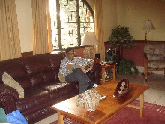 Alajuela, Costa Rica: living room by daylight, with books to read