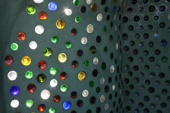 Earthship Biotecture: Light coming through the bottles, so pretty