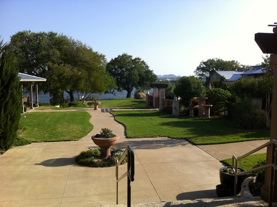 Inn on Lake Granbury: View towards the lake