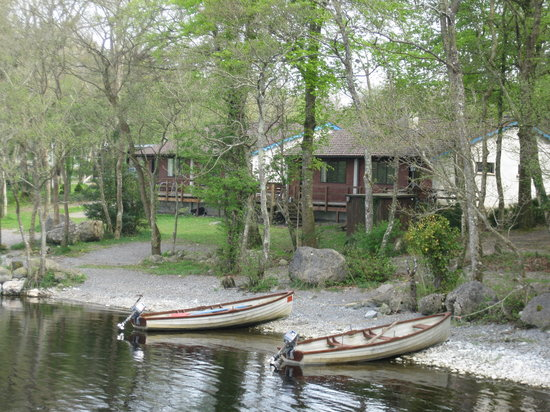 Athlone, Ireland: Facing the chalets