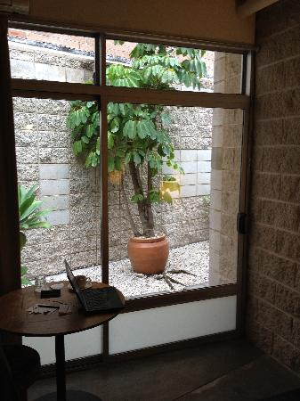 Altamont Hotel Sydney - by 8Hotels: View of the internal courtyard