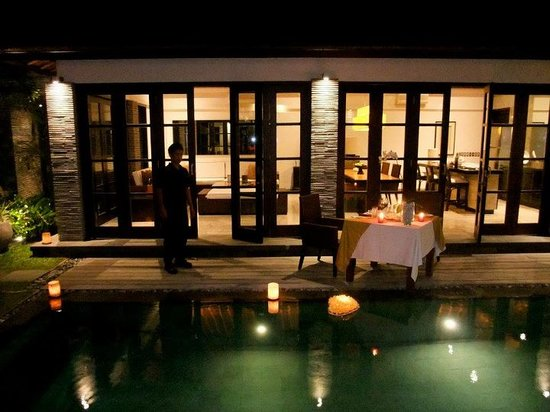 Sentosa Seminyak: Our special romantic candle light dinner by our pool. so good!