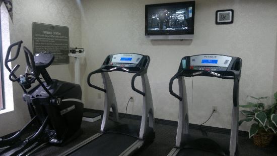 ‪‪Holiday Inn Express Hotel & Suites Murray‬: Small fitness room‬