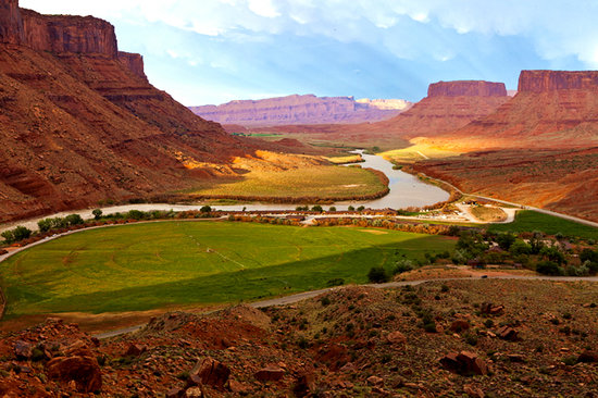 Red Cliffs Lodge: Unbelievable scenery, at Red Cliffs Lodge!