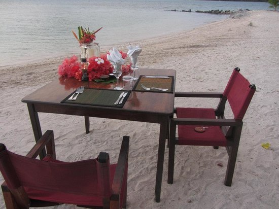 Navutu Stars Resort: Private Beach Dinner