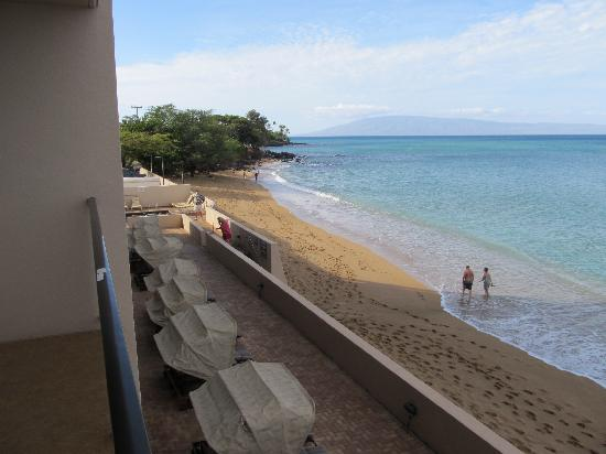 Kahana Beach Resort: From balcony of 203