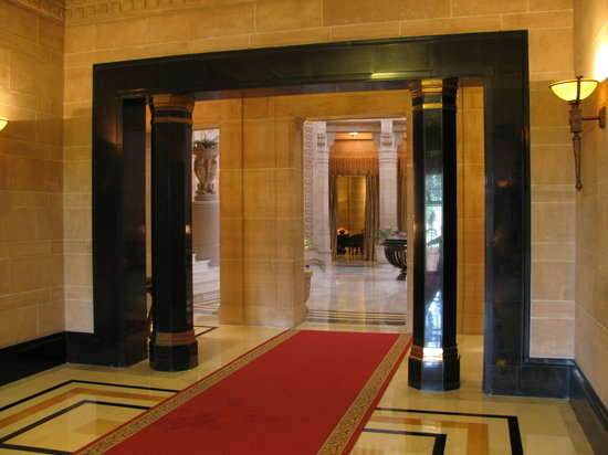 Umaid Bhawan Palace Jodhpur : The Entrance