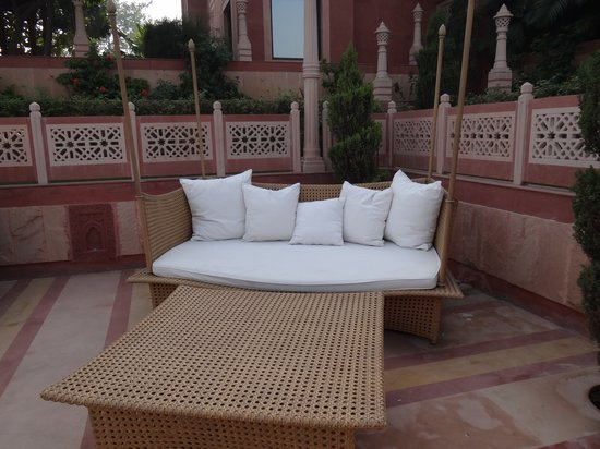 Orient Taj: Pool side Couch