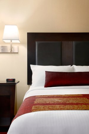 BEST WESTERN PLUS Coquitlam Inn Convention Centre: Superior king room