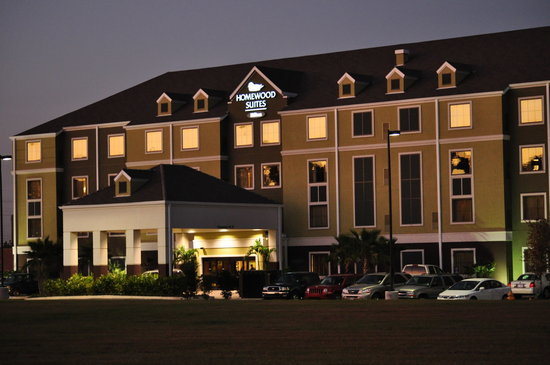 Homewood Suites by Hilton Lafayette: Exterior of hotel at sunset