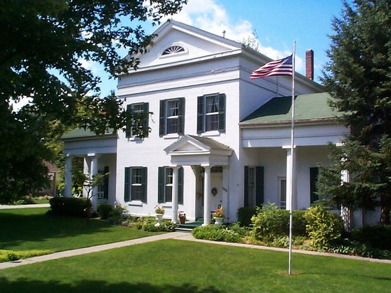The Munro House: &quot;The best place to stay in Hillsdale County&quot;