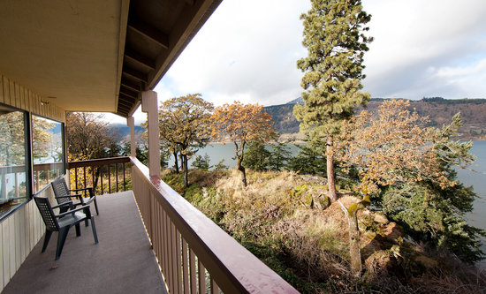 Vagabond Lodge: View from a balcony
