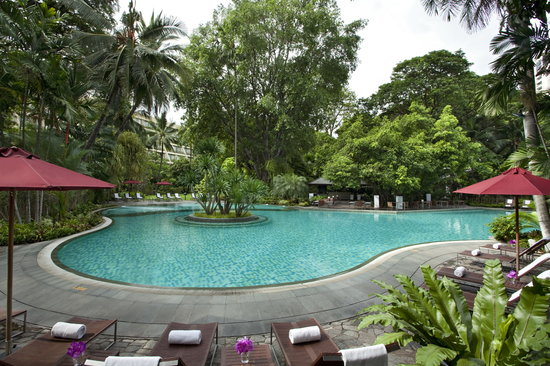 Swissotel Nai Lert Park: Swimming Pool