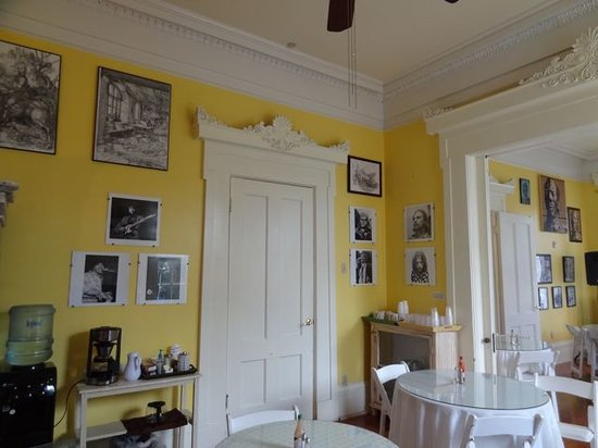 Creole Gardens Guesthouse Bed & Breakfast: one of a kind photos of 60's rock icons