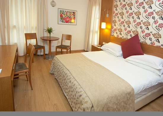 Lusky Hotel Rooms &amp; Suites: room type A