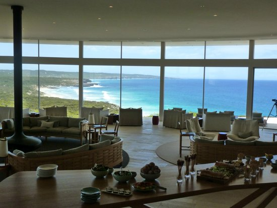 Southern Ocean Lodge: View & main lounge