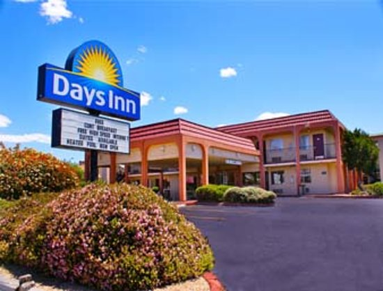 Days Inn Midtown Albuquerque: Hotel Exterior