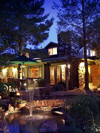 The Lodge at Sedona: The Lodge at Night