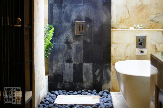 Barong Resort and Spa: Bathroom configuration - newly renovated villa #1
