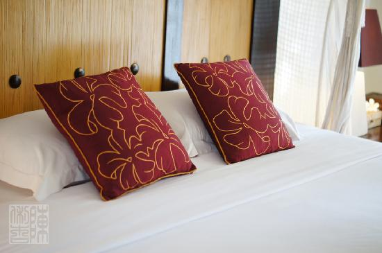 Barong Resort and Spa: Comfy bed - clean