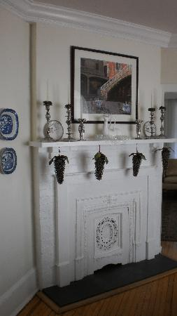 Brookside Manor: Nutcrackers on fireplace