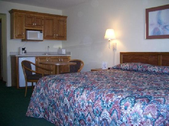 Osage Beach, MO: kitchenette room